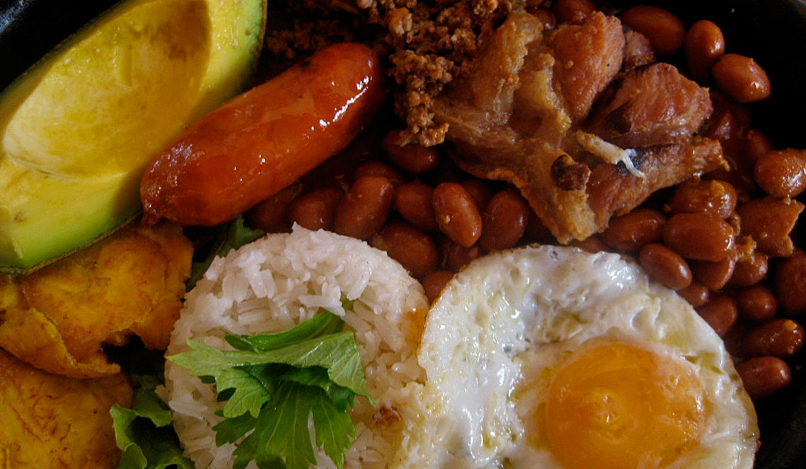 Traditional Colombian Dish The Filling Bandeja Paisa Uncover Colombia